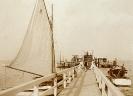 Seebrücke mit Booten 1927